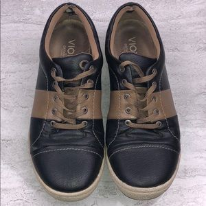 VIONIC Casual Shoes Size 7